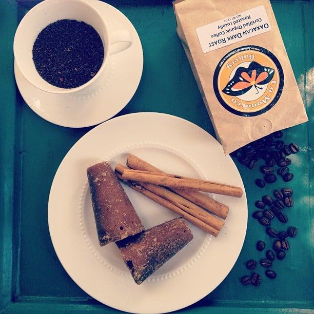 How to make an authentic Mexican café de olla - recipe via theothersideofthetortilla.com