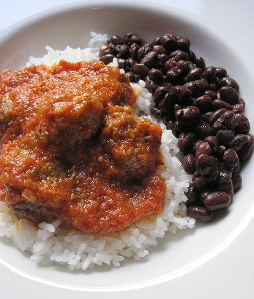 A classic recipe for albóndigas al chipotle, a Mexican meatball dish with a tomato-chipotle sauce. Get the #recipe on theothersideofthetortilla.com.