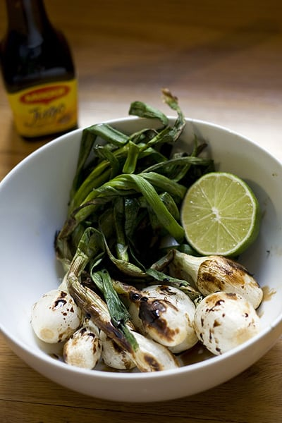 Grilled knob onions with lime and salsa Maggi