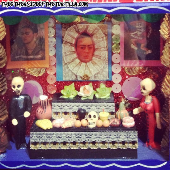 Day of the Dead mini altar on theothersideofthetortilla.com