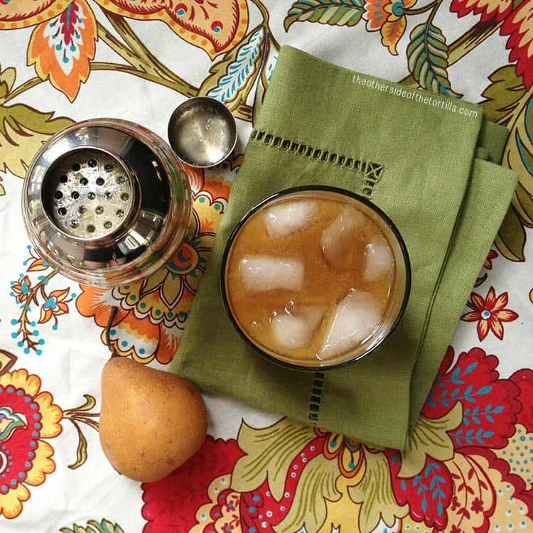 Spiced pear margarita recipe via theothersideofthetortilla.com