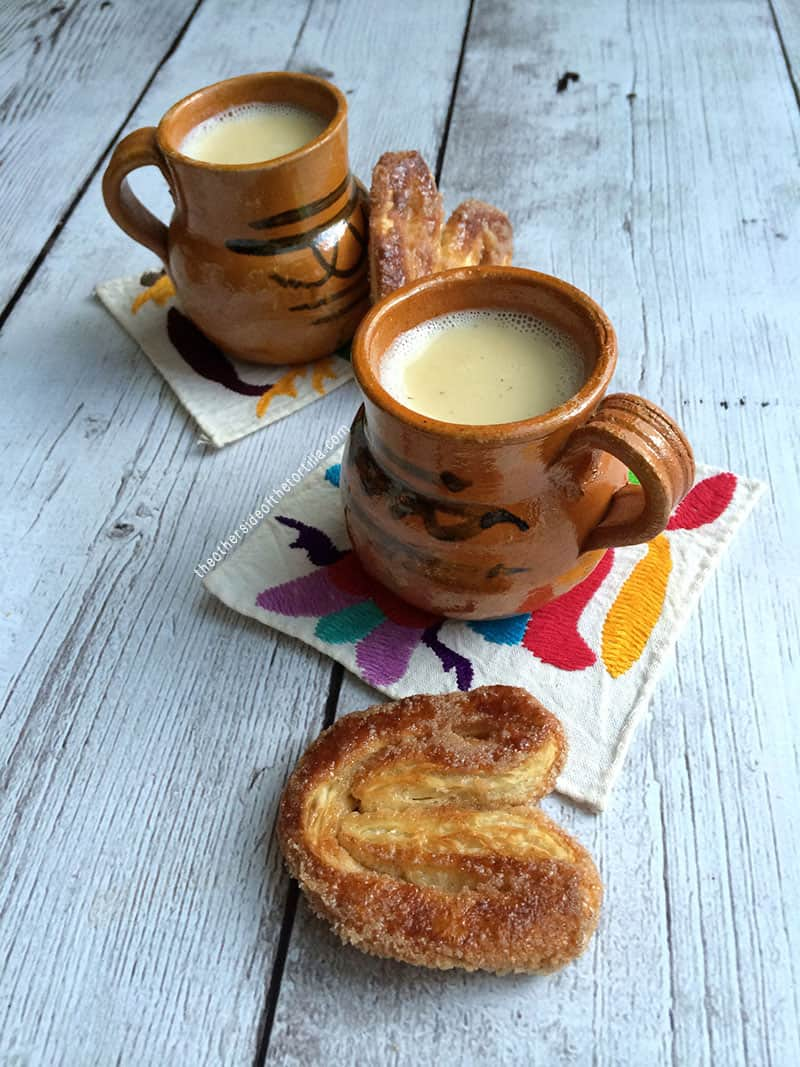 How to make Mexican atole de vainilla. Recipe via @MauraHernandez on The Other Side of The Tortilla