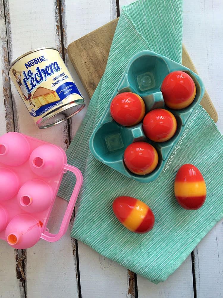 How to make Easter egg gelatinas with La Lechera sweetened condensed milk. Recipe via theothersideofthetortilla.com