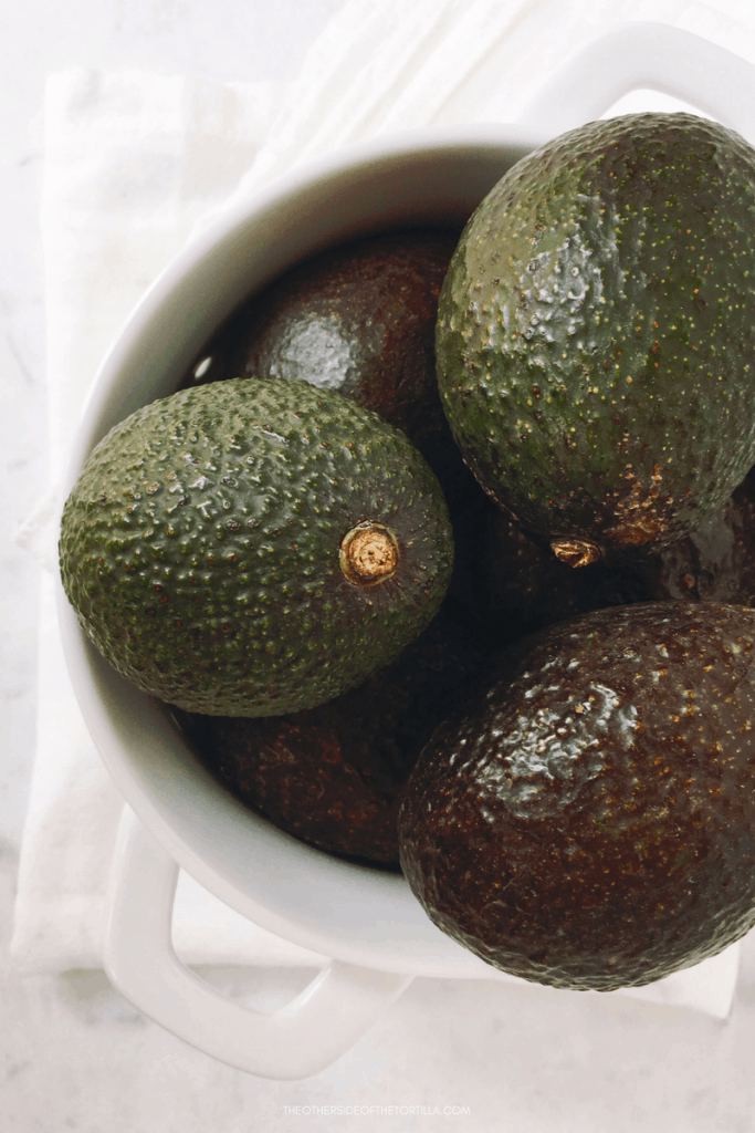 A guide on how to choose ripe avocados