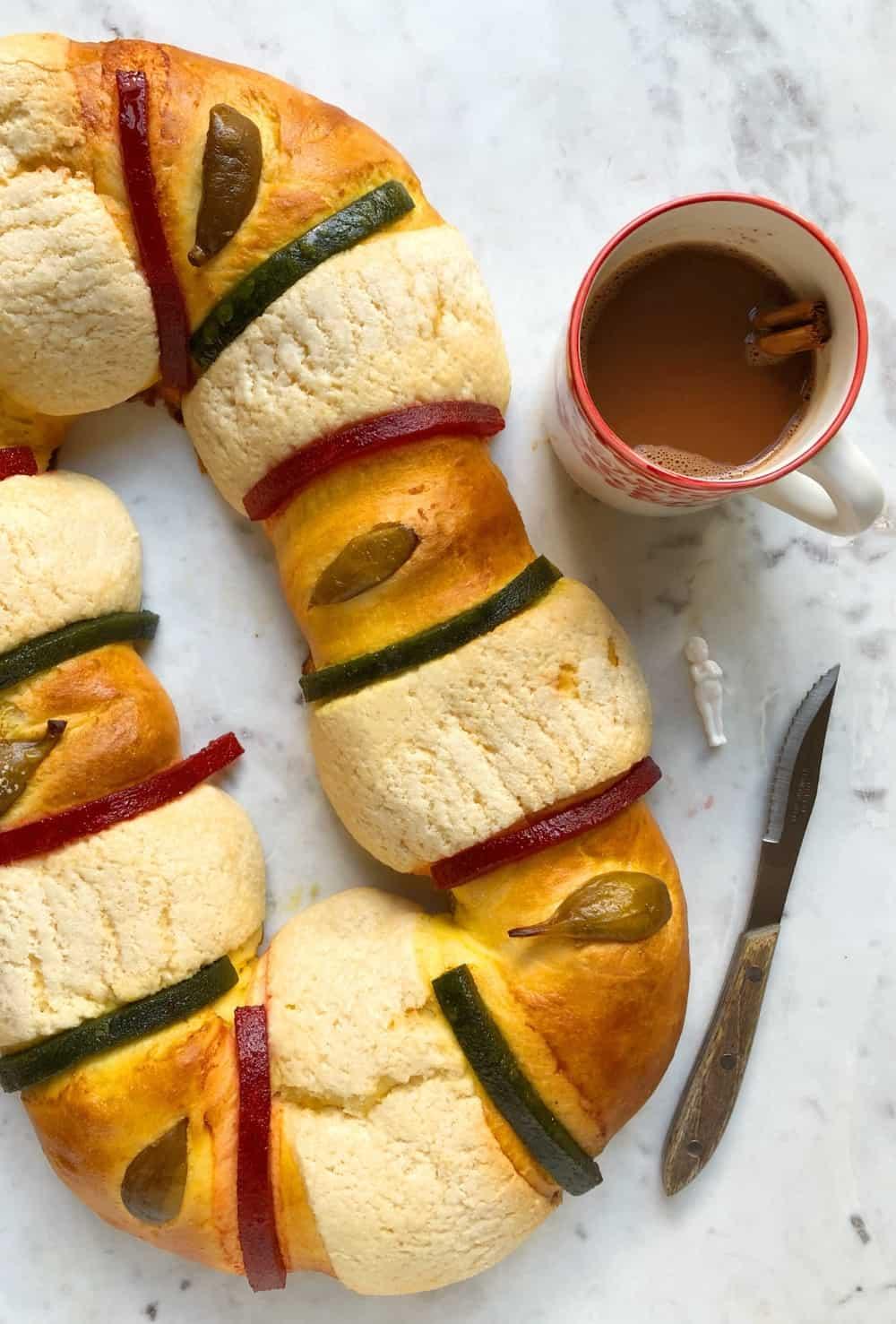 Mexican rosca de reyes for Día de los Reyes Magos